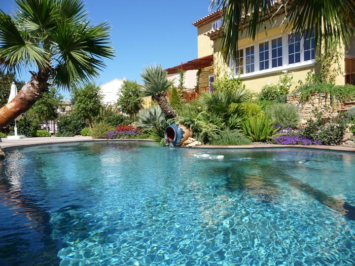 michel karas pisciniste jardinier paysagiste dans le var parcs et jardins. Black Bedroom Furniture Sets. Home Design Ideas