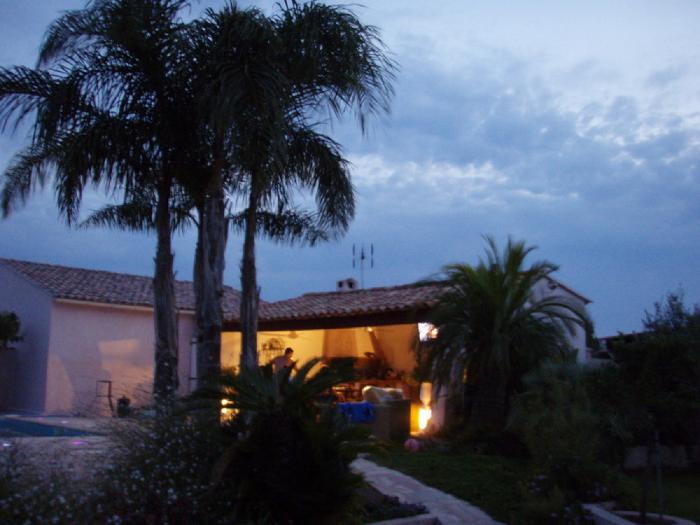 michel karas pisciniste jardinier paysagiste dans le var cuisine d 39 ete. Black Bedroom Furniture Sets. Home Design Ideas
